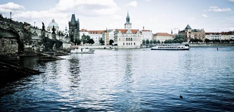 Praga desde el río Vltava